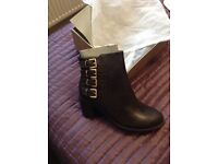 Brand new brown boots, size 5