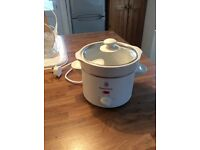 Compact Slow Cooker ((Russell Hobbs)