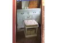 French-style dressing table and stool, off-white, 5 drawers, 2 cupboards, pretty and great storage