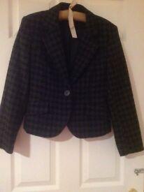 Smart work-wear jacket by Mexx. Black and grey.