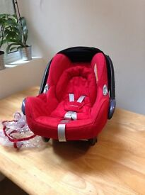 Maxi cosi cabriofix car seat with bugaboo bee adapters