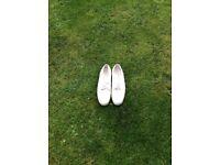White bowlingshoes