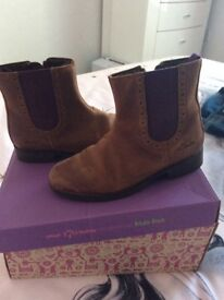 Girls clarks Chelsea boots 12F