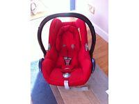 Maxi-cost cabrio-fix baby car seat. Isofix base