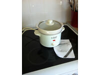 REDUCED PRICE. Russell Hobbs Slow Cooker. Never used.