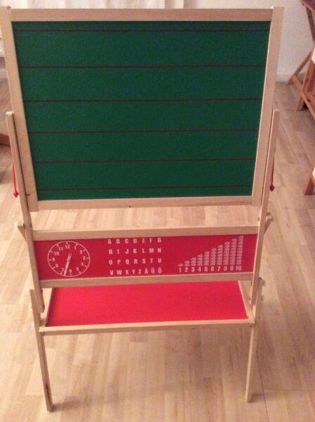 kindertafel magnettafel in d sseldorf bezirk 3 weitere spielzeug g nstig kaufen gebraucht. Black Bedroom Furniture Sets. Home Design Ideas
