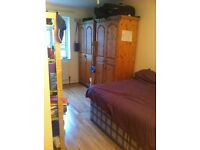 Huge double room for a couple in 2 bedroom flat, East Finchley N2 0LP