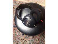 Audio-technica headphones ATH 609