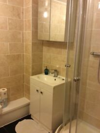 Large Double Room in Grays, RM20