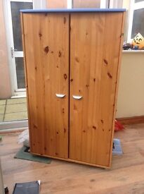 Stompa wardrobe, pine effect with blue.