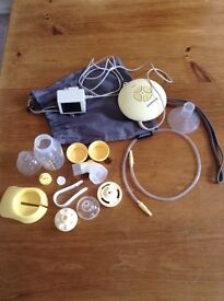 Medela Swing Electric Breast Pump. Includes all accessories and bag. Very good condition