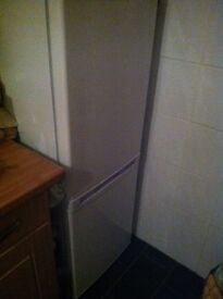 Amica fridge freezer only 6 months old