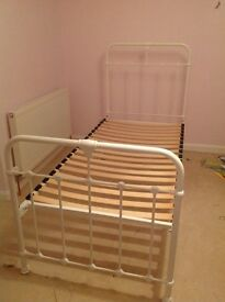 Lovely Victorian style metal single bed frame cream/white