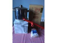 JAM MAKING STOCKPOT and accessories vgc