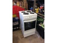 White free standing electric cooker