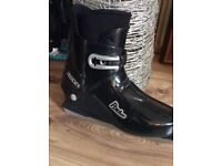 ROCES Rxdue Ice Hockey Boots size8.5/9 in black and silver vgc