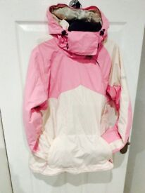 ROXY PINK LADIES SKI JACKET SIZE LARGE £45 COLLECTION ONLY