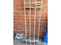 Hanging wooden clothes airer