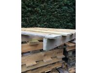 Single layer wooden pallets