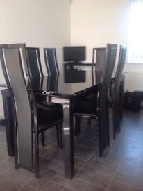 Black Glass Extendable Table & 6 Chairs