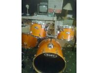 Mapex M Birch 5 piece drum kit with hardware honey amber finish great condition
