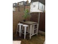 White, wood and metal garden bar / kitchen island / table