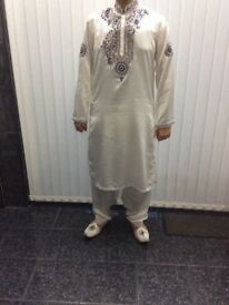 Men's White Wedding Suit With Kussa