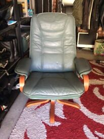Recliner chair in Green.