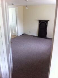 Gorgeous Quiet Cozy 2 Bedroom Flat on Grey Row Ruthvenfield Perth