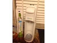 Sodastream with 2 gas bottles