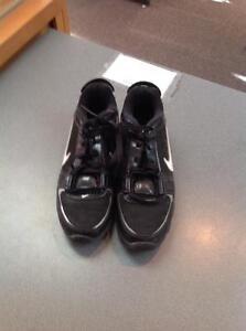 Nike football cleats -youth size 4Y- (sku: Z15012)