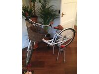 Beautiful White frame & Brown leather, Vintage style, sit up & beg bike / bicycle