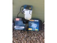 Demolition breaker, 1700 Watts, 230 v almost new complete with drill bits and carry case.