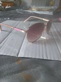 steve madden pink and gold sunglassers