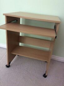 Small computer deak for sale. Light oak on colour. Ideal small bedroom.