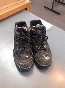 Work shoes - size 5- black/grey (sku: DTEU7L)