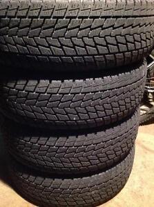 4 pneus d'hiver 235/65 r18 toyo go-2 plus open country.  325$