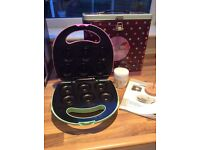 Doughnut maker machine in presentation tin for sale, very good condition.