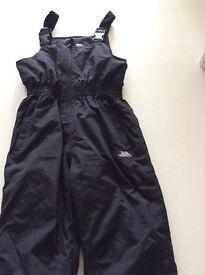 Trespass black ski dungarees/trousers - age 9/10