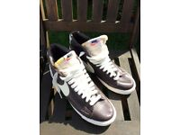 Nike Hi-Top Trainers Size 7 as new