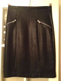 LADIES LEATHER LOOK SKIRT FROM NEW LOOK SIZE 8
