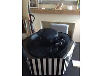 Mother of the bride black hat excellent condition