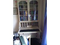 Prett shabby chic desk and bookshelf bureau