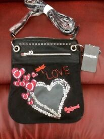 Desigula Designer handbag Heart Punk New With Tags