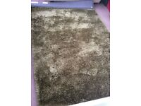 Large dun elm luxury rug like new