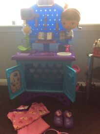 Doc mcstuffins get better check up station and accessories