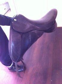 Sue Carson dressage saddle