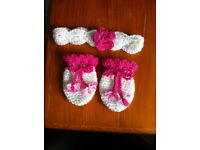 Baby girl mittens and head band