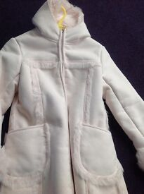 GIRLS WINTER COAT - ABSOLUTELY STUNNING 7/8 years dry cleaned ready for new owner
