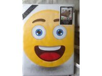 Single emoji bedset and curtains,brand new